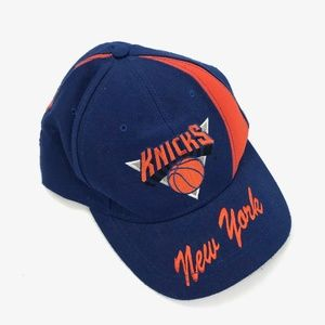 Vintage Nutmeg NY Knicks Basketball Snapback Hat